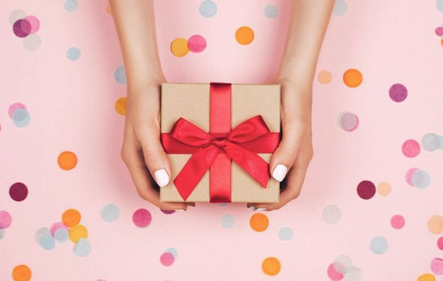 Qué regalar a una amiga – las 24 mejores ideas originales para el presente