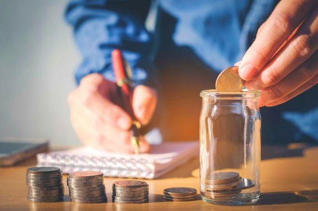 Risparmiare soldi: consigli e trucchi per migliorare le tue finanze personali