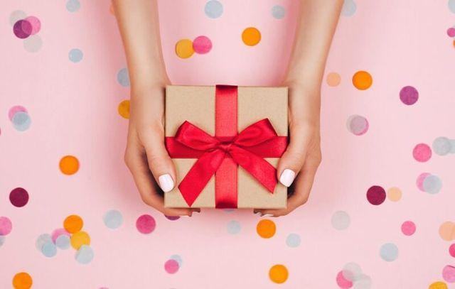 Co kupić mamie na urodziny - 15 pomysłów na prezent